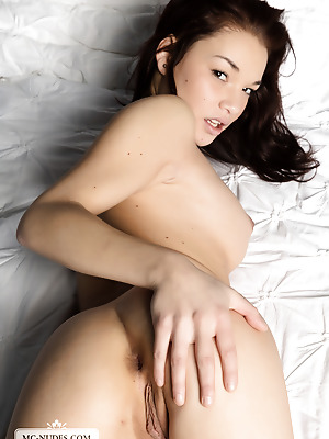 MC-Nudes  Nici Dee  Beautiful, Teens, Legs, Solo, Erotic, Softcore, Young